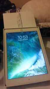 16g Apple IPAD Air with WiFi  400$