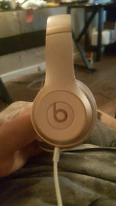 Red rose gold solo 3 beats