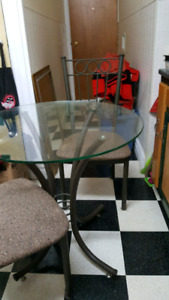 Glass kitchen table with 2 upholstered chairs