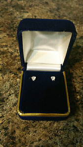 14 KARAT CUBIC ZIRCONIA EARRINGS