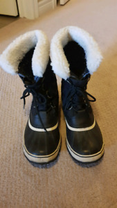 Sorel Womens Boots - Size 10