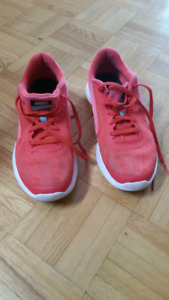 running shoes a vendre