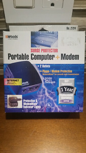 Woods Portable / Travel Surge Protector Low profile Computer
