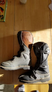 Dirt Bike Boots Ladies Size 6 Thor (basically new)
