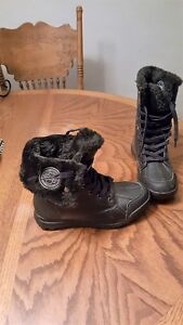 New with tags Rocowear boots Windsor Region Ontario image 3