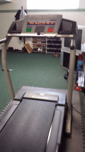 NordicTrack C2200 Treadmill Mint Condition Professional Quality