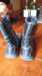 Winter black leather boots size 36 fits 6-6 1/2 Cambridge Kitchener Area image 3