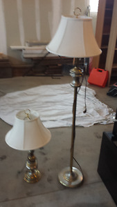 Set of 2 Lamps w/ Shades