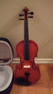 Violin for sale = 4/4 SIZE