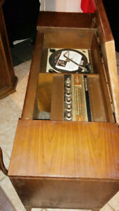 **** Vintage Fleetwood Record player ****