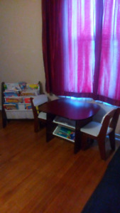 Table/chairs/book sling