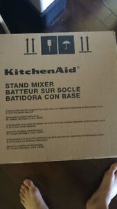 Brand New KitchenAid Artisan Design Series 5 Mixer