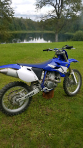 2004 YZ 450  ONLY 10 HOURS! ALMOST BRAND NEW