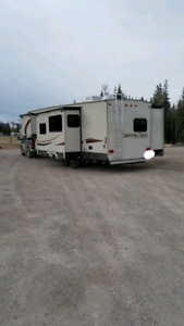 REDUCED PRICE 36 ft canyon trail fifth wheel make me an offer