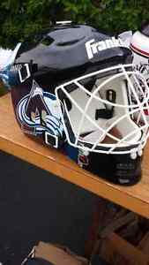 Casque gardien dhockey de rues avalanche du colorado
