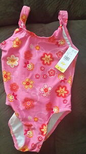 Girl Swimsuit Size 4) $5 New with tags
