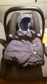 Maxi Cosi Pebble baby car seat with sleeping bag