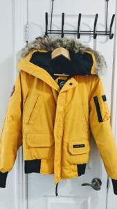 Canada Goose Chilliwack bomber jacket Youth (L) Adult (xs)