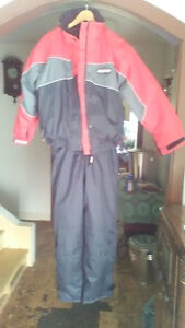 SNOW SUIT WOMEN'S SIZE MEDIUM. NORTH 49 PRODUCT, NOT WORN,