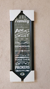 "Packers ""family sign"""