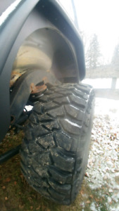 4 35x12.5r17 mickey Thompson Baja Mtz p3 only 1200 km tires only