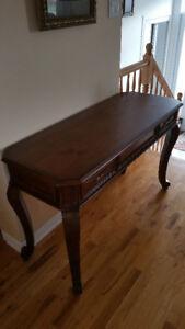 Table pour salon en bois massif