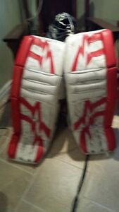 Vaughn Goalie Pads, catcher & blocker. Will seperate