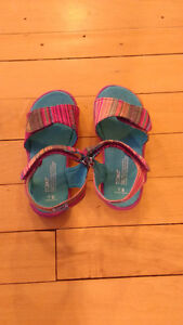 Toms Sandals size 8 never worn