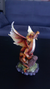Brilliant Red Perched Dragon Figurine (7.5x7.5x15 cm)