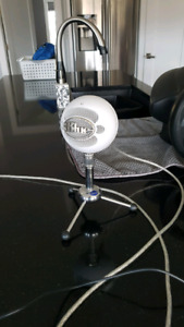 Blue Snowball USB Microphone for PC
