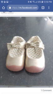 Baby girls shoes, size 2.5. Carters brand