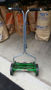 Scott's 14inch Turf Reel Lawn Mower-Excellent condition! $60 OBO