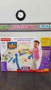NIB Fisher Price Laugh & Learn Music Station
