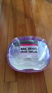 Nail Dryer / Secheuse a Ongles
