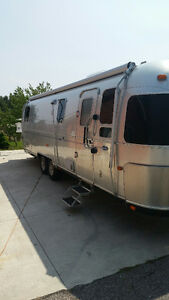 MUST GO-2002 31ft Airstream Classic