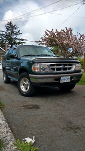 1997 Ford Explorer Green SUV, Crossover