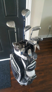 Golf club set with golf bag