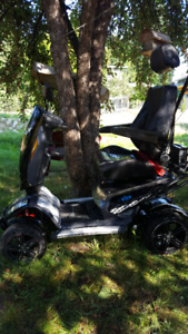 Sporty mobility scooter