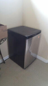 Used Bar Fridge/Semi functional
