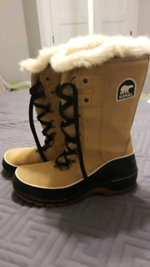 SOREL WINTER BOOTS - Women's Size 10