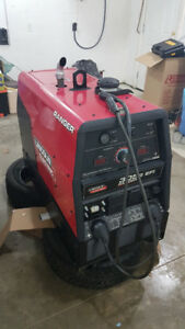 Lincoln Electric Ranger 305 G EFI Gas Engine Welder / Generator