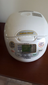 Zojirushi NS-ZCC10 5.5 cup Neuro Fuzzy Rice Cooker and Warmer