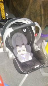 Baby car seat w/2 base