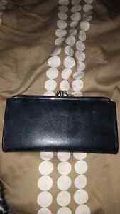 Black wallet/change purse London Ontario image 2