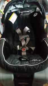 Baby car seat West Island Greater Montréal image 1
