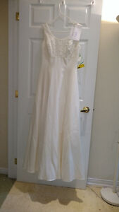 Sample wedding gowns.  UPCYCLE! $40 - DRESS 13
