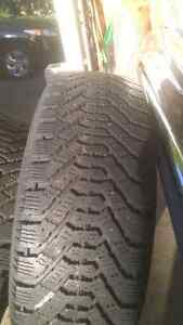215/65/r16 Goodyear Nordic Winters lots of tread Cambridge Kitchener Area image 3