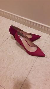 women shoes wear only 10 min like new 20.00