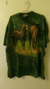 Green Horse T-Shirt Very nice!