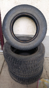 Set of studed winter tirea for sale 175/70r13